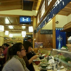 Photo taken at Sushi Yassu by Walter G. on 11/19/2011