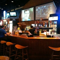 Photo taken at Buffalo Wild Wings by Cong T. on 6/8/2011