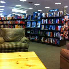 Photo taken at Barnes & Noble by T-Bone C. on 2/10/2011