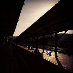 Photo taken at สถานีรถไฟ ปากช่อง by Boy S. on 12/1/2011