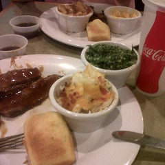 Photo taken at Boston Market by Marianne T. on 1/13/2012