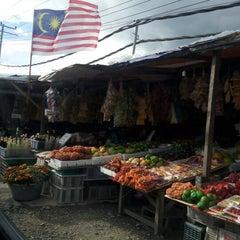 Photo taken at Pekan Kundasang by Syamsul A. on 8/27/2012