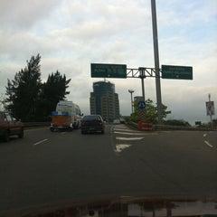 Photo taken at Autopista Ingeniero Pascual Palazzo (Autopista Ruta Panamericana) by Mariano G. on 10/8/2011