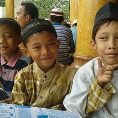 Photo taken at Mesjid Perjuangan 45 by Angga Rahmatul H. on 11/4/2011