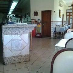 Photo taken at Restaurante Flor Do Paraiso by fernando s. on 9/6/2011