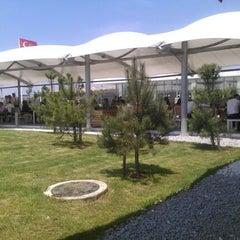 Photo taken at ABM Cafe Acikhava by Süreyya Ö. on 6/5/2012