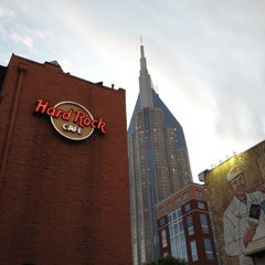 Photo taken at Hard Rock Cafe Nashville by Ye W. on 5/4/2012