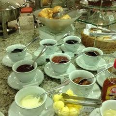 Photo taken at Villa Vergueiro Hotel by Juan R. on 4/23/2012