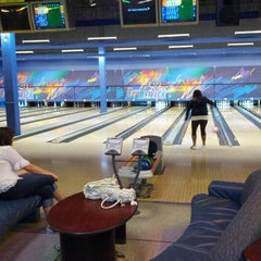 Photo taken at Brunswick Zone XL - Brooklyn Park by Jordan M. on 8/7/2012