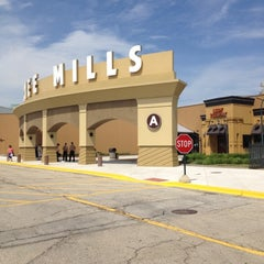 Photo taken at Gurnee Mills by Robert D. on 5/28/2012