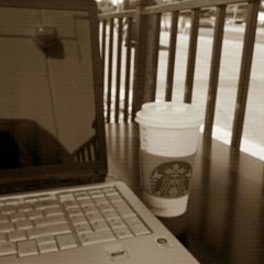 Photo taken at Starbucks by Kevin R. on 8/28/2011