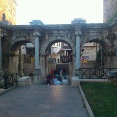 Photo taken at Üçkapılar (Hadrian Kapısı) by Ahmet ✨. on 6/1/2012