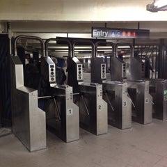 Photo taken at MTA Subway - 59th St/Columbus Circle (A/B/C/D/1) by Arnaud M. on 10/22/2011