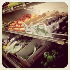 Photo taken at Food & Liquor World by ChaunceyCC on 6/5/2011