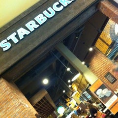 Photo taken at Starbucks by Mauro R. on 8/7/2011