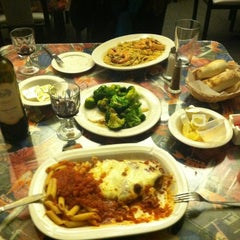 Photo taken at Frankie's Cafe' Fine Dining & Pizzeria by Eyan S. on 12/30/2011