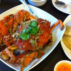 Photo taken at Wee Nam Kee by Choak O. on 8/28/2012
