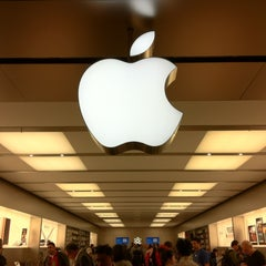 Photo taken at Apple Store, Pacific Centre by Sito Alvina .. on 6/24/2011
