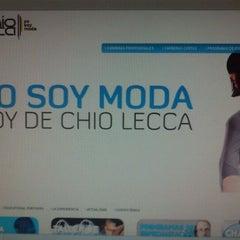 Photo taken at Chio Lecca Instituto Internacional De Diseño by Gustavo V. on 5/3/2012