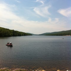 Photo taken at Mauch Chunk Lake Park by Aki on 6/19/2011