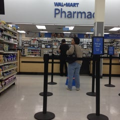 Photo taken at Walmart Supercenter by Yahell Z. on 3/6/2012