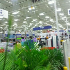 Photo taken at Lowe's Home Improvement by Jamie L. on 1/12/2012