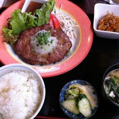 Photo taken at 食工房 SHINOWA by Yumi N. on 8/26/2011