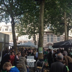 Photo taken at Marché de la place van Meenen / Markt van Meenenplein by Amaury G. on 8/6/2012