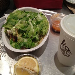 Photo taken at Chipotle Mexican Grill by Daysi R. on 9/7/2012