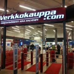 Photo taken at Verkkokauppa.com by Kari K. on 4/29/2012