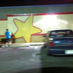 Photo taken at Hardee's by William C. on 9/3/2011