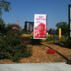 Photo taken at McDonald's by Guineal H. on 5/15/2012