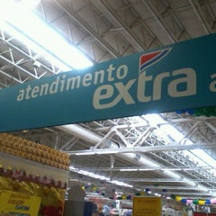 Photo taken at Extra by Raquel G. on 11/5/2011