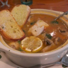 Photo taken at Olive Garden by Dwight B. on 8/19/2012