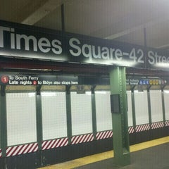 Photo taken at MTA Subway - 42nd St/Times Square/Port Authority Bus Terminal (A/C/E/N/Q/R/S/1/2/3/7) by daniel h. on 5/24/2011
