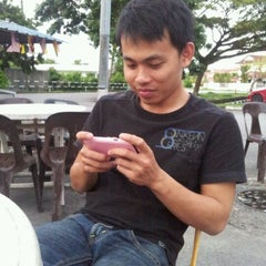 Photo taken at Warung Najua by Farish A. on 12/4/2011