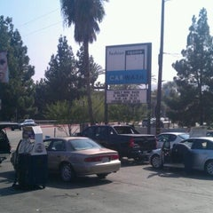 Photo taken at Fashion Square Car Wash by Felix G. on 10/20/2011