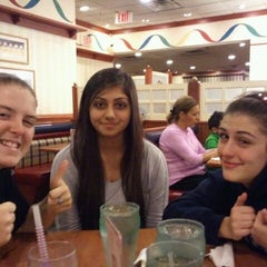 Photo taken at Friendly's Restaurant by Mathew D. on 10/8/2011