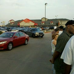 Photo taken at Golden Corral by Tad F. on 11/14/2011