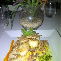 Photo taken at Jade Kitchen by Marilyn C. on 8/31/2012