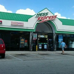 Photo taken at Hess Express by rinux on 3/21/2012