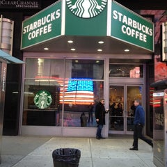 Photo taken at Starbucks by Adryano Luigi M. on 3/5/2012