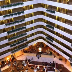 Photo taken at Sheraton West Des Moines Hotel by John M. on 9/18/2011
