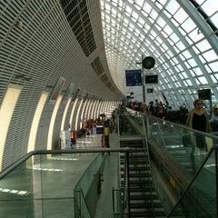 Photo taken at Gare SNCF d'Avignon TGV by Si on 6/30/2012