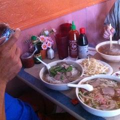 Photo taken at Pho Thang by Khiem N. on 8/25/2012