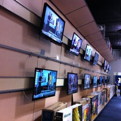 Photo taken at Best Buy by Arturo A. on 4/1/2012