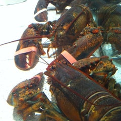 Photo taken at Red Lobster by Becca P. on 3/17/2012