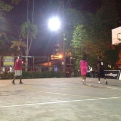 Photo taken at Basketball Court Prima Avenue (PADI) by Mohamed Yaguine T. on 4/22/2012
