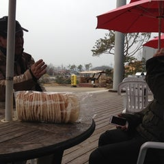 Photo taken at 토마토휴게소 by Bonyoung K. on 4/13/2012