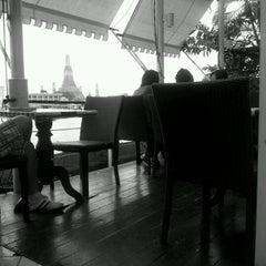 Photo taken at Vivi The Coffee Place by Sakkorn J. on 2/19/2012